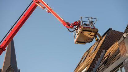 Dakwerker licht bouwfirma's op voor 15.000 euro