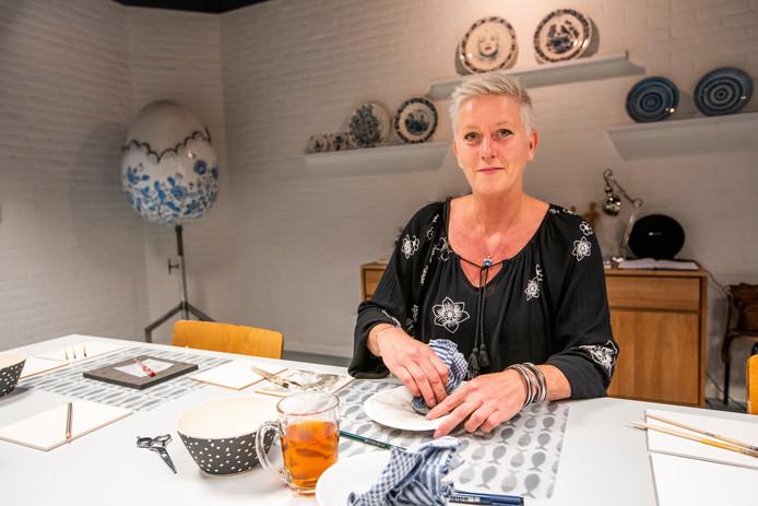 Kiek Swinkels in haar atelier in Valkenswaard.