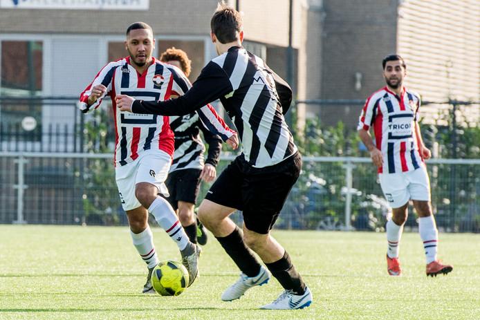 Genaro Nepomuceno (links) was bijna matchwinner voor Willem II tegen SCO. (archieffoto)
