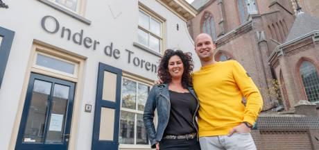 Nicky en Brigitte zetten lange café-traditie van Onder De Toren voort