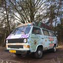 Met bloemen beschilderde VW-bus gestolen in Tilburg