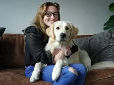 Romy (20) woog nog maar 35 kilo door haar angst om over te geven en hond Milo hielp haar beter te worden