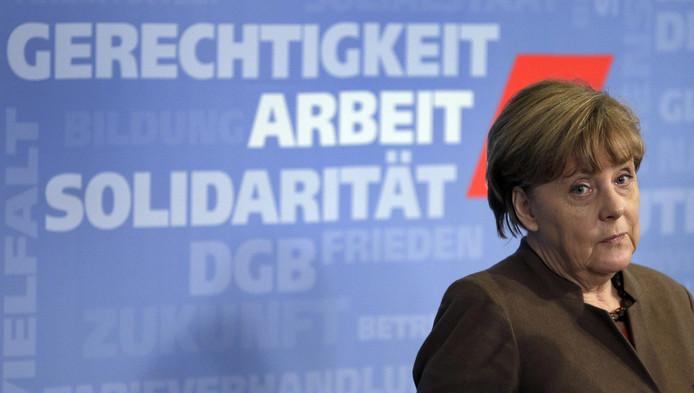 Angela Merkel baisse dans les sondages après les agressions de Cologne.