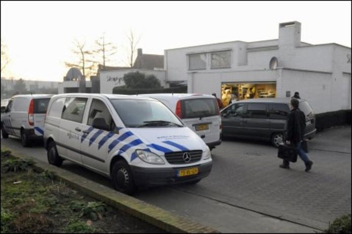 Het voornmalig bankgebouw in Baarle, waar het lichaam gevonden is. Foto ANP