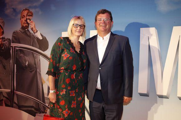 """""""Van mij verdienen Gert en James een ster op de zeedijk van Oostende"""", aldus burgemeester Bart Tommelein aan de zijde van zijn vrouw Sarah."""
