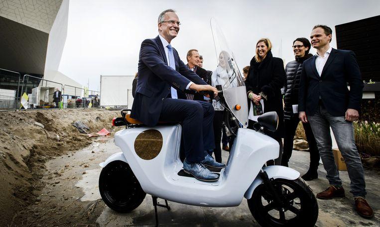 Minister Henk Kamp van Economische Zaken tijdens de Innovation Expo Beeld anp