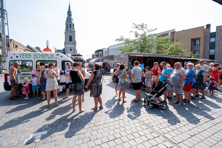 PUURS-SINT-AMANDS De gemeente trakteert bezoekers van de wekelijkse markt op ijsjes