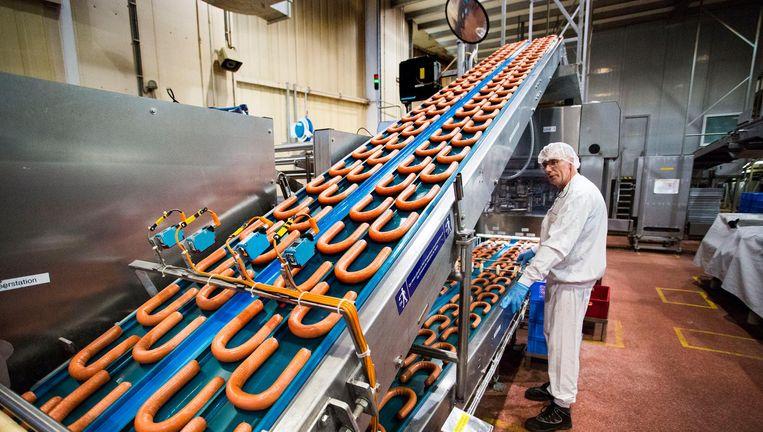 De Unox-rookworstenfabriek in Oss. Beeld Arie Kievit