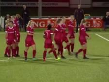 FC Twente-speelster Kika van Es maakt Doelpunt van de Maand