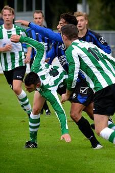 Voetballer stabiel na kopstoot van medespeler