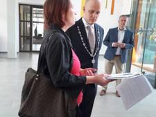 Rommelpot-petitie met 601 handtekeningen voor burgemeester Bengevoord