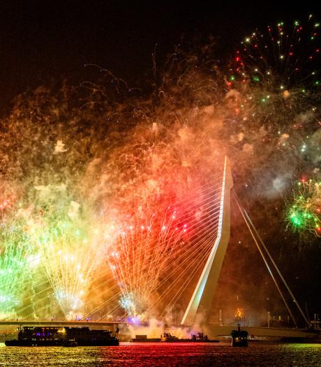 Rotterdamse raad verbaasd: Waarom vuurwerkfeest Hoek van Holland zonder metro?