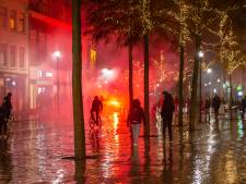 Drie agenten gewond bij avondklokrellen in Zwolle: minderjarigen opgepakt