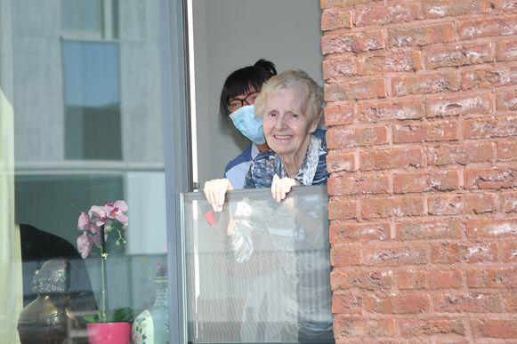 Krijgen de bewoners van WZC Elckerlyc binnenkort weer familie op bezoek? Als het van de gemeente Wevelgem afhangt wel.