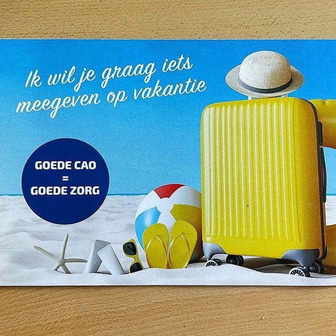 Personeel van het ziekenhuis St Jansdal geeft de directie een boodschap mee voor een goede vakantie.