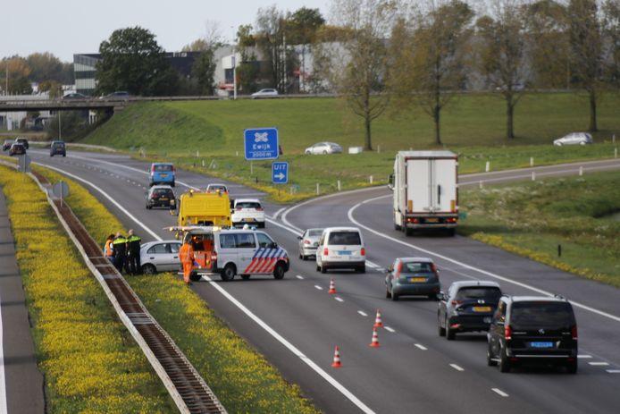 Een rijbaan was afgesloten na de aanrijding op de A73.