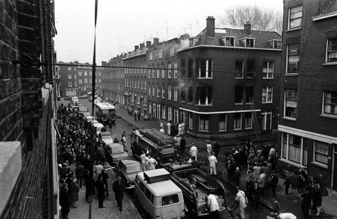 Het was goed mis in de Transvaalstraat, hoek Kaapstraat. Twee families raakten dakloos.