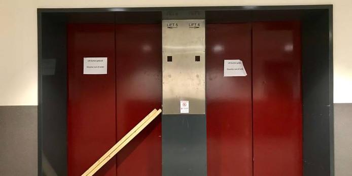 Het ongeluk gebeurde in de linker lift.