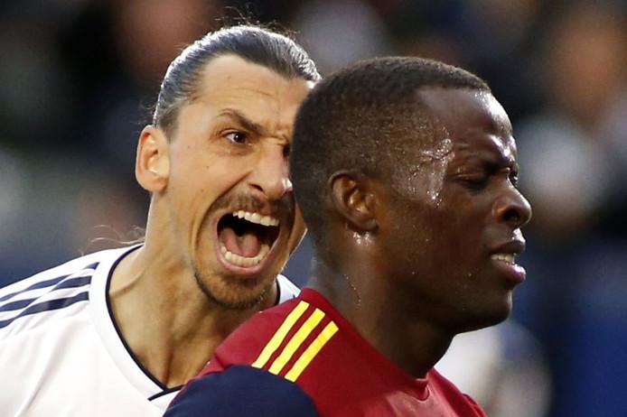 Zlatan Ibrahimovic scheldt Nedum Onuoha de huid vol.