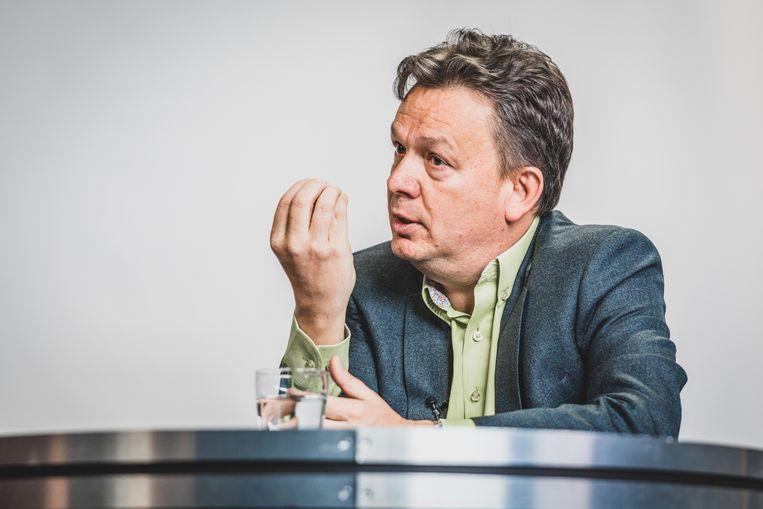 Stefaan Van Hecke (Groen) neemt in de verkiezingsstrijd de handschoen op voor Groen.