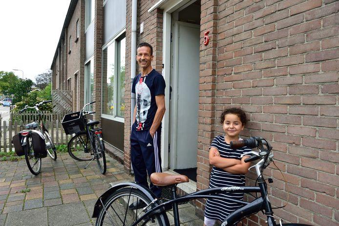 Hamid en Rayhana Musaui uit de Sluislaan in Moordrecht. ,,De buurt is prima, maar het huis is vochtig en te krap.''
