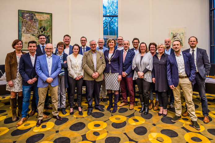 Oudenbosch - 29-03-2018 - Foto: Peter Braakmann - Nieuwe raadsleden Gemeente Halderberge. Peter Braakmann / Pix4Profs