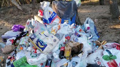 """Politie kondigt extra controles aan Lommelse Sahara aan: """"Het ziet eruit als een vuilnisbelt"""""""