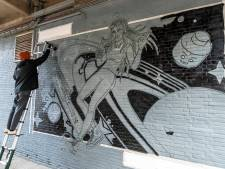 Muurschildering op Tramkade over 'verloren liefde'