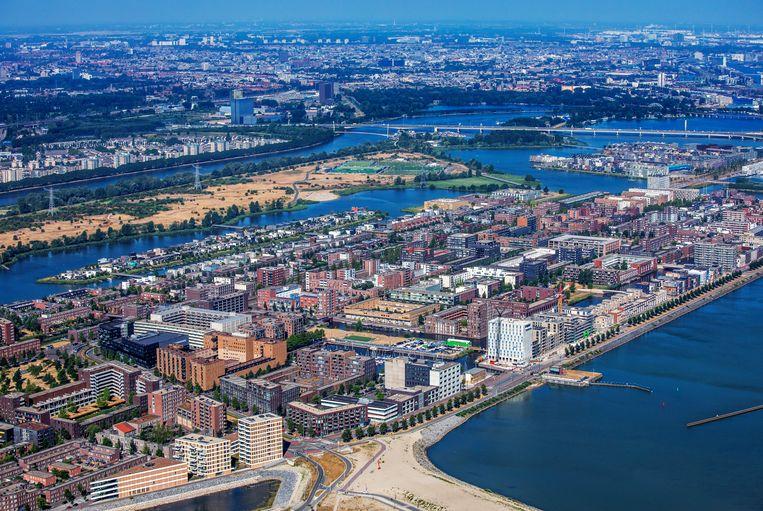 Luchtfoto van IJburg, Amsterdam Beeld Raymond Rutting