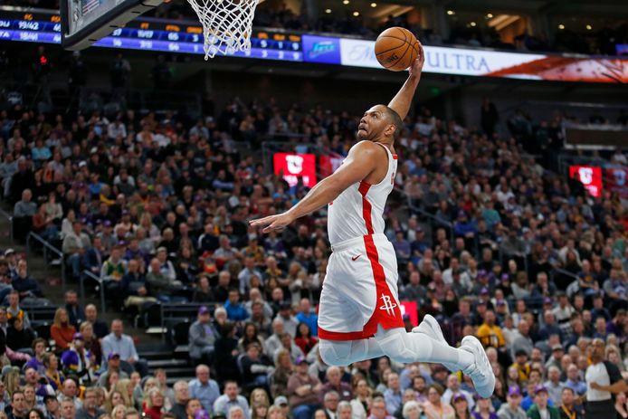 Houston Rockets-guard Eric Gordon met een vlammende dunk.