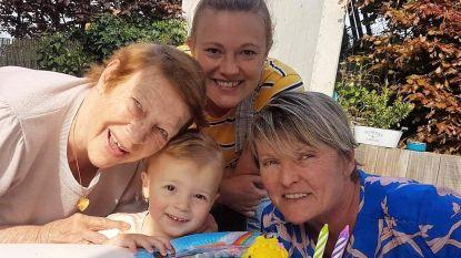 Trotse overgrootmoeder Josette Agneessens (80) staat aan het hoofd van een vrouwelijk viergeslacht