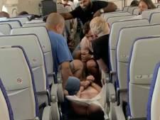 Vliegtuig terug naar Sydney na vechtpartij tussen passagiers