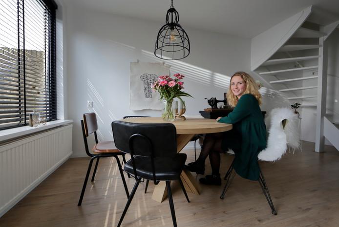Hermien Janssens  kan in haar woning al haar creativiteit kwijt.