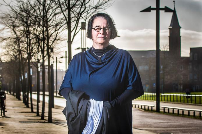 Advocate Petra Gerritsen van Enschede Sociaal is gestopt omdat ze het financieel niet meer kan bolwerken.