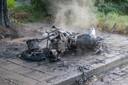 Een motor werd voor brand verwoest in Zutphen.
