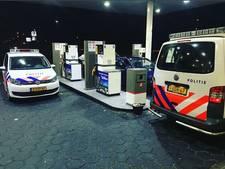 Wietlucht uit 'relaxte' auto op A73 trekt aandacht van agent