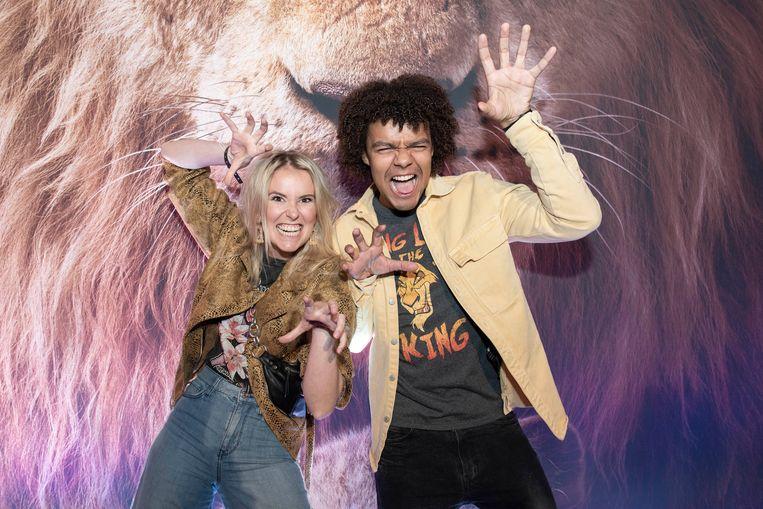 """""""Toen mijn mama zwanger was van mij, ging ze naar 'The Lion King' kijken en ik was serieus aan het schoppen in haar buik"""", verklapt 'Ghost Rocker' Elindo Avastia met naast zich 'De Kotmadam'-actrice Helle Vanderheyden."""