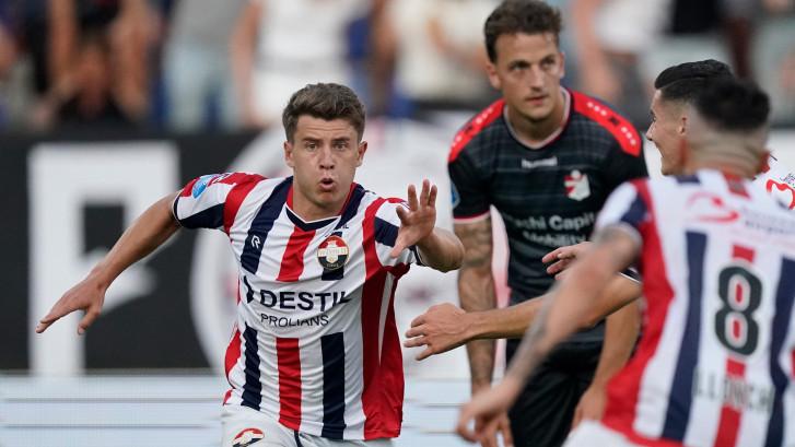 Köhlert swingt in Tilburg: 'Doelpunten zijn mooi, maar punten belangrijker'