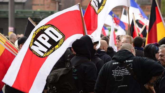 Een demonstratie van neonazi's en aanhangers van de extreemrechtse NPD-partij in Berlijn.