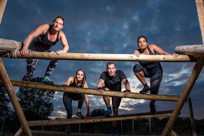 Daniëlle Elenbaas, Astrid de Jonge, Joris Nijssen en Maltie Ritoe (vlnr) hebben zich bij Megga Fit intensief voorbereid op de Zeeuwse Obstacle Run.