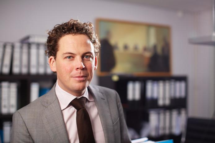 Voetbaladvocaat Christian Visser is een samenwerkingsverband aangegaan met Helmond Sport-supporters