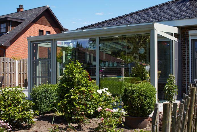 Choisissez un style de véranda qui correspond au style de votre maison, de sorte que les deux forment un beau tout.