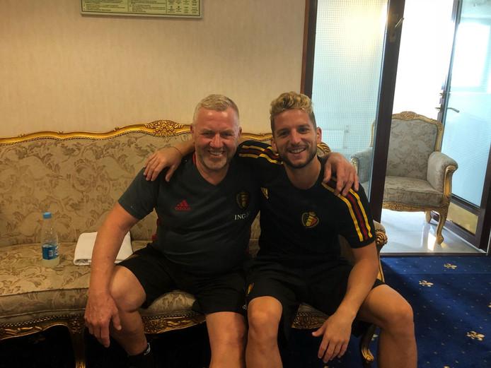 Eddy Pepels en Dries Mertens in het spelershotel van België in Rusland.