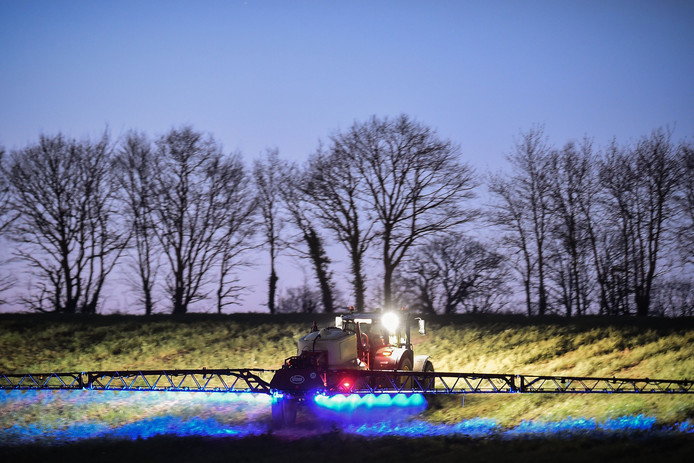 (FILES) In this file photo taken on March 21, 2019, French farmer Fabien Denis sprays glyphosate herbicide made by the Monsanto agrochemical giant, roundup, to prepare a cornfield to be sowed in Saint-Leonard-des-Bois, northwestern France. - A jury in California on May 13, 2019 ordered Bayer-owned Monsanto to pay more than $2 billion damages to a couple that sued on grounds the weed killer Roundup caused their cancer, lawyers said. (Photo by JEAN-FRANCOIS MONIER / AFP)