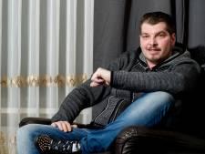 Volkszanger Wouter Roos: 'Voor dit nummer moest ik van mezelf bij daglicht de deur uit'