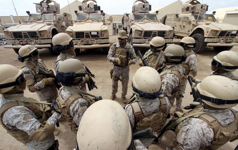 Saudische troepen op hun basis in de Jemenitische havenstad Jemen (Archieffoto).