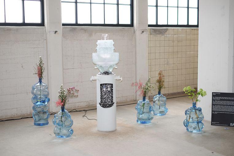 'Oasis'-vazen en fontein. Beeld Moreno Schweikle