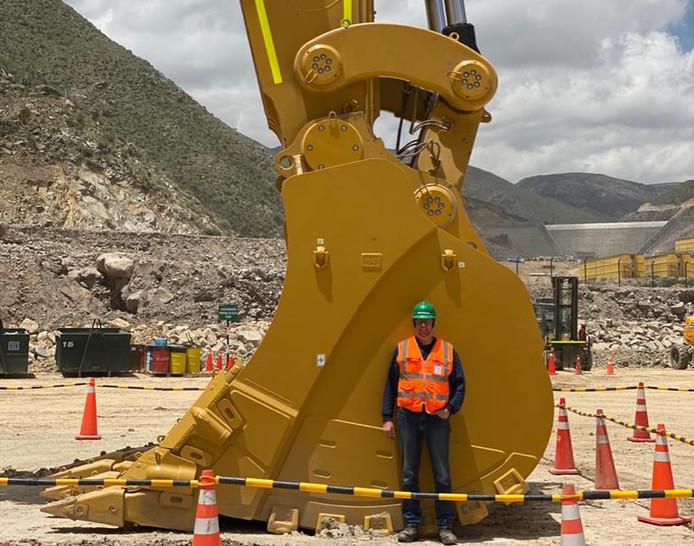 Elektromonteur Johan Heijink (54) kan geen kant op in Peru.