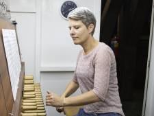 Esther Schopman (48) is de nieuwe stadsbeiaardier van Enschede