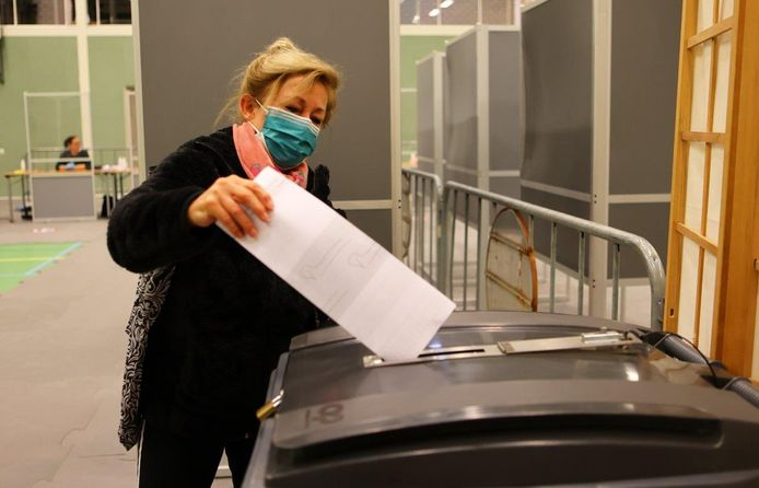 Stemmen in coronatijd, dat kan prima zo bleek woensdag bij de herindelingsverkiezingen in Vught, Boxtel en Oisterwijk.